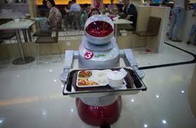Bu restoranda bütün işi robotlar həyata keçirir