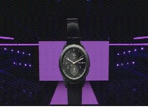 """""""Samsung"""" yeni nəsil saatını təqdim edib"""