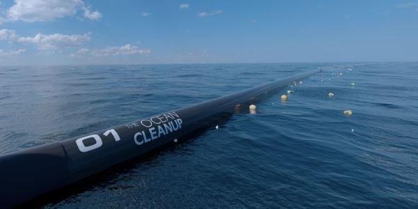 Sakit okeana nəhəng plastik təmizləyən qurğu buraxılıb