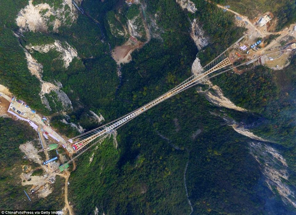 Dünyanın ən uzun asma körpüsü tikilib
