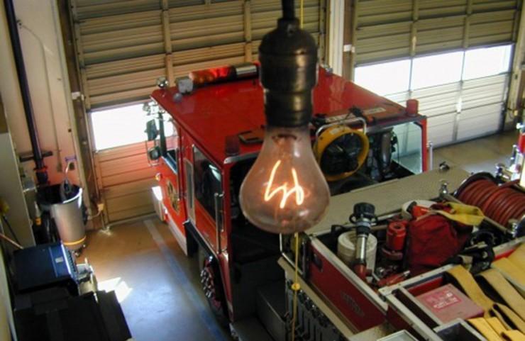 Bu elektrik lampası bir əsrdən çoxdur ki, yanmağa davam edir