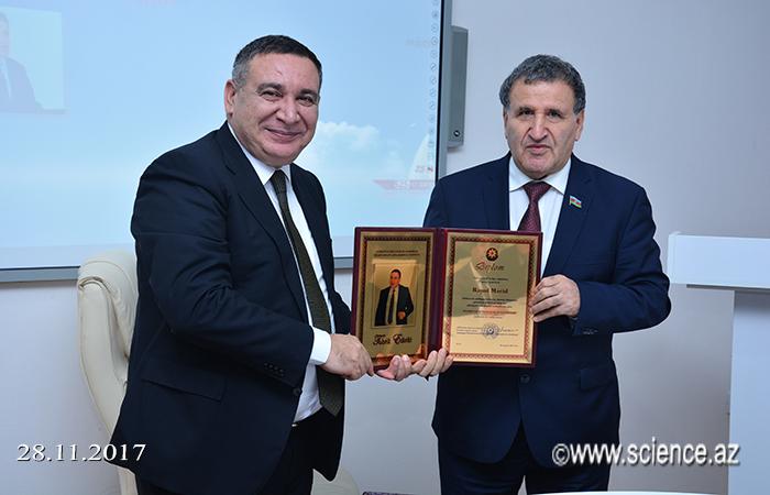 """""""525-ci qəzet""""in 25 illik yubileyi qeyd olunub"""