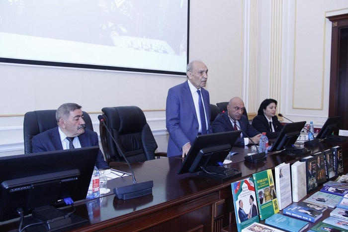 """""""Heydər Əliyev və Azərbaycan dili"""" mövzusunda konfrans keçirilib"""
