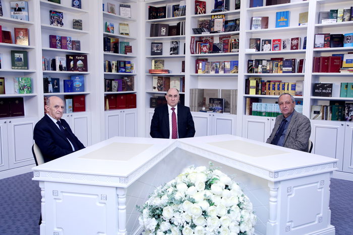 """""""Elm və İnnovasiya"""" proqramının növbəti buraxılışı ölkəmizdə Fizika elminin inkişafına həsr olunub"""