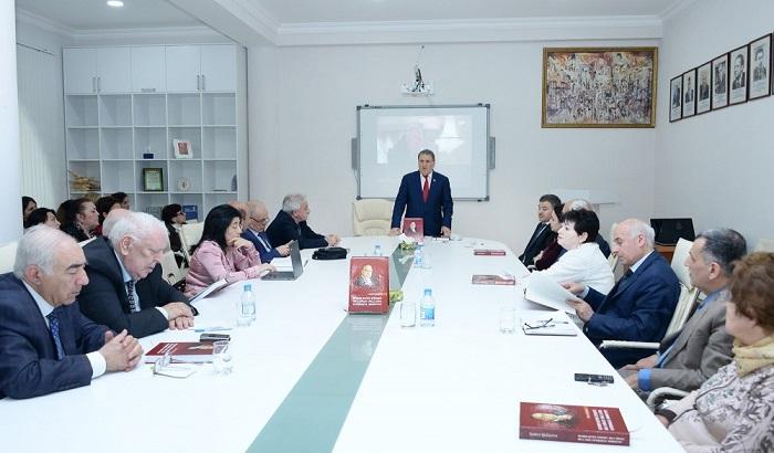 """""""Heydər Əliyev siyasəti: milli dövlət, milli lider, vətəndaşlıq, mənəviyyat"""" kitabı işıq üzü görüb"""