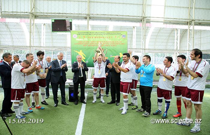 İqtisadiyyat İnstitutunun komandası VI futbol çempionatının qalibi olub