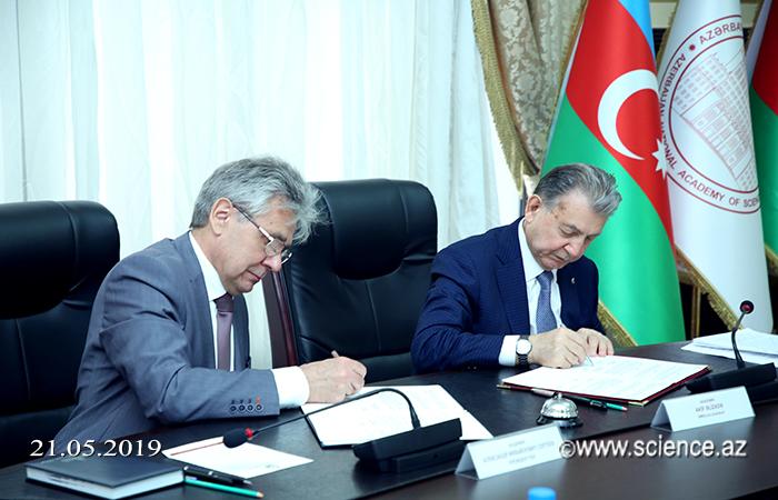 Rusiya Elmlər Akademiyası ilə elmi-texniki əməkdaşlığa dair saziş imzalanıb