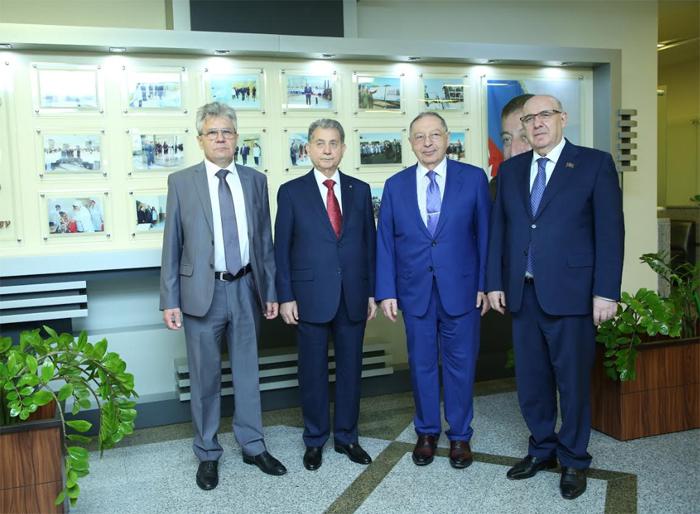 Rusiya Elmlər Akademiyasının prezidenti Milli Onkologiya Mərkəzi ilə yaxından tanış olub