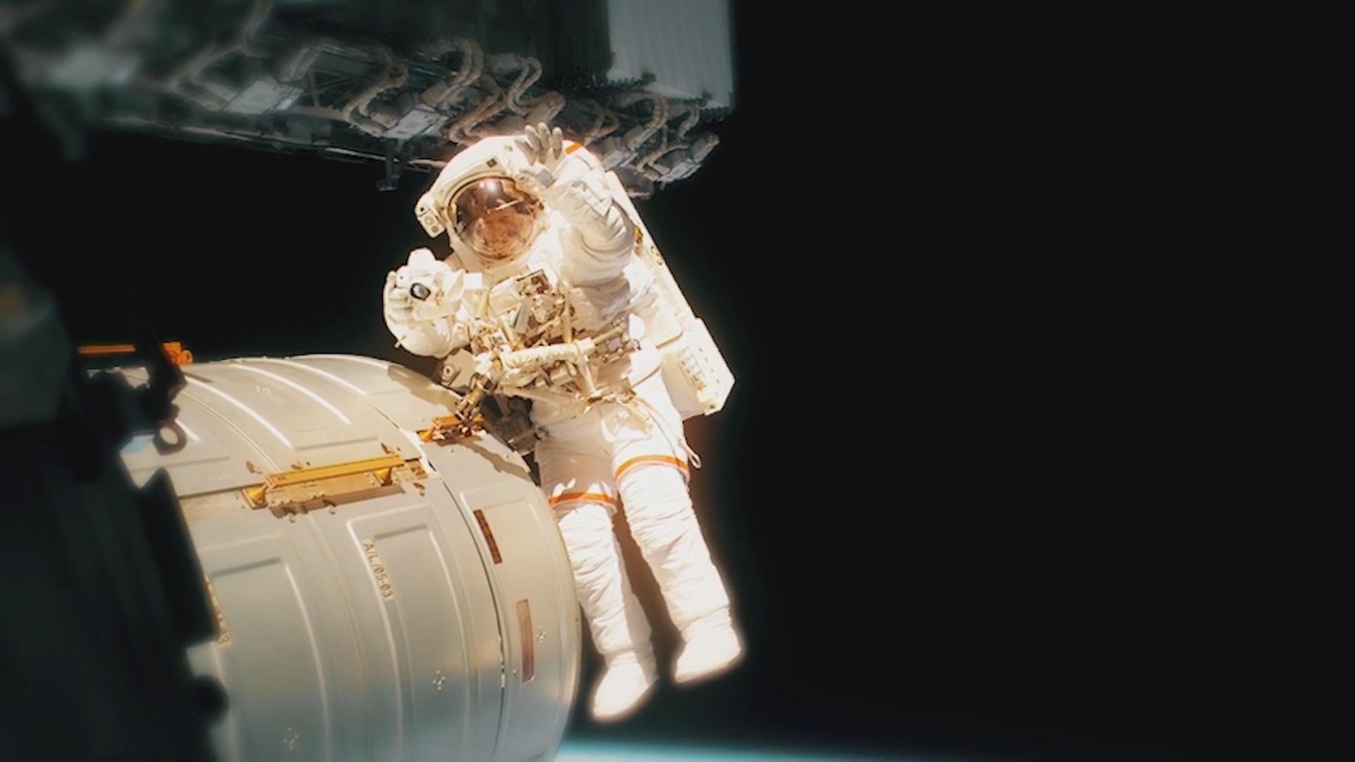 Qadın astronavt  daha bir rekorda imza atıb