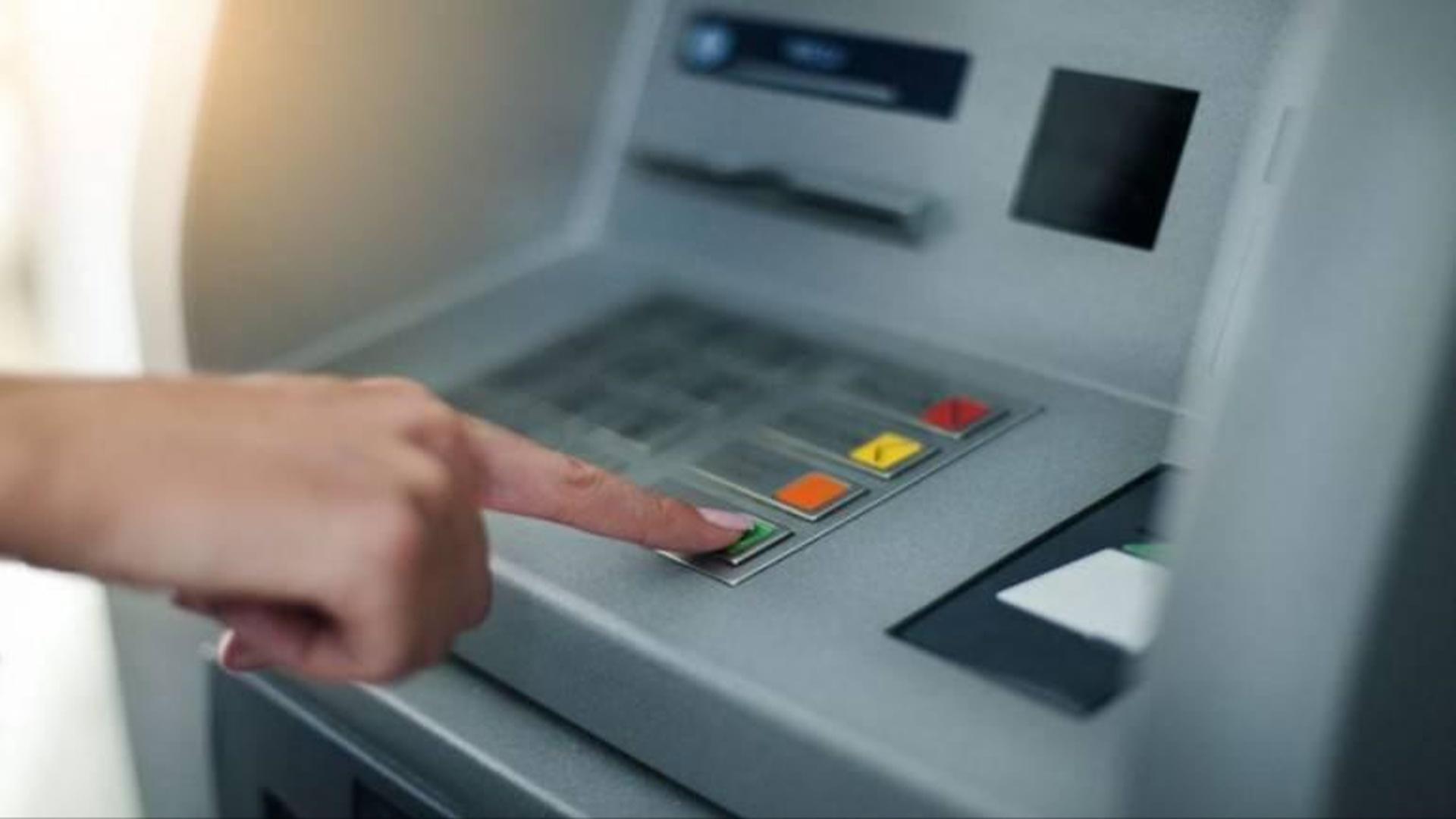 """""""Ağıllı"""" bankomat müştərinin hərəkətlərini təhlil edir"""