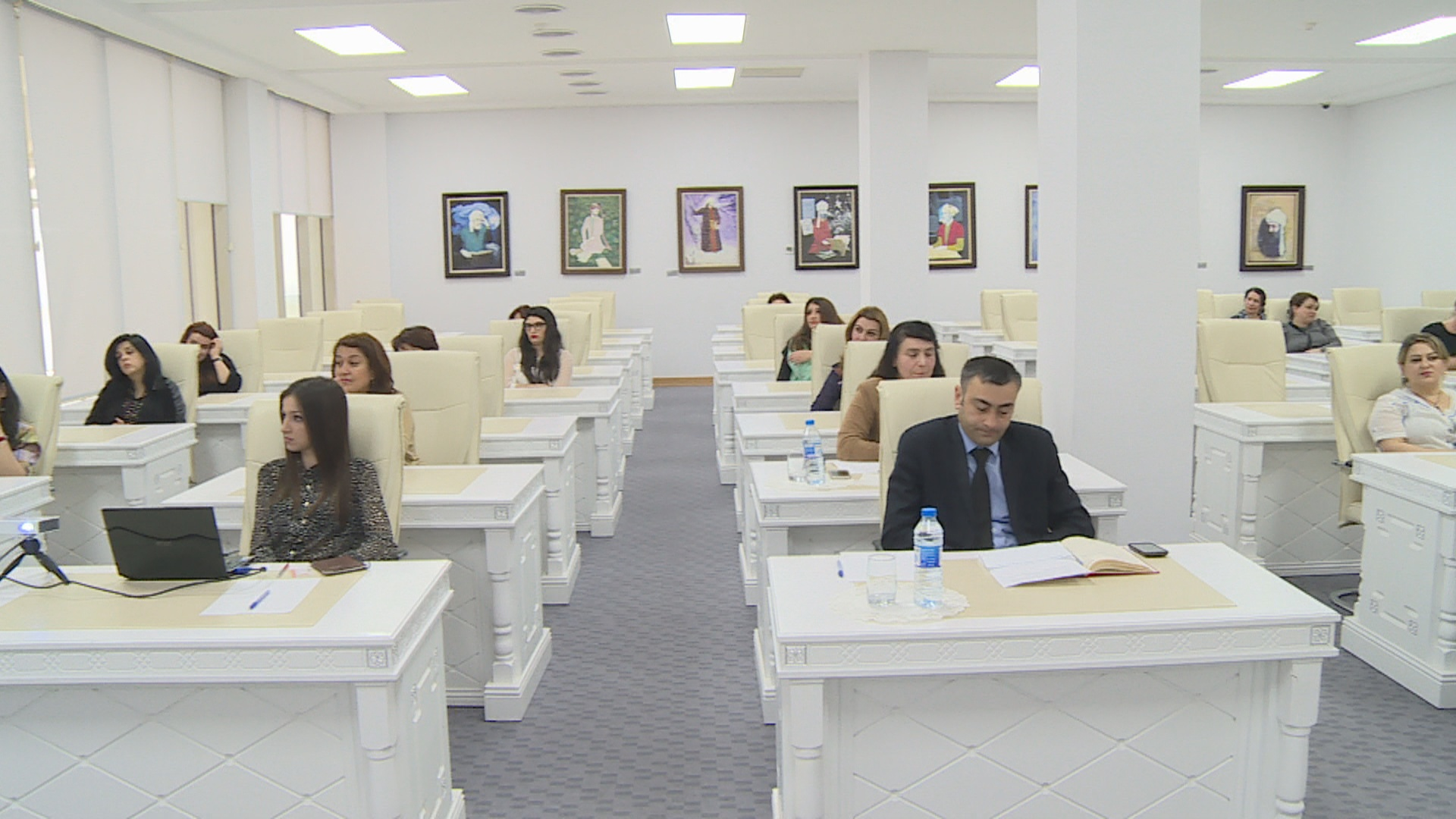 Dissertasiyalar və avtoreferatlar fondunun təqdimatı keçirilib