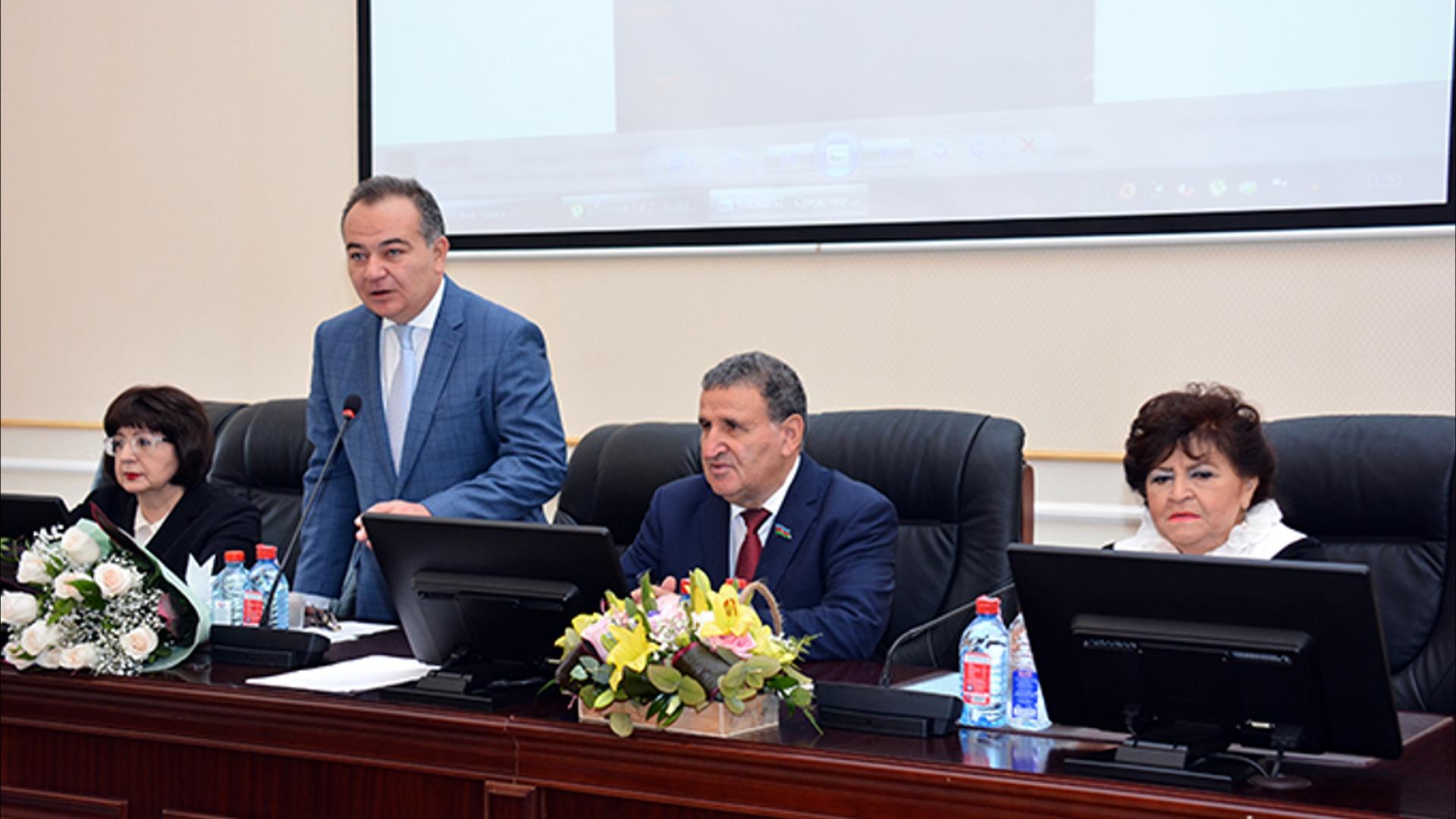 """""""Azərbaycan musiqi tarixi"""" kitabının II cildinin təqdimatı olub"""