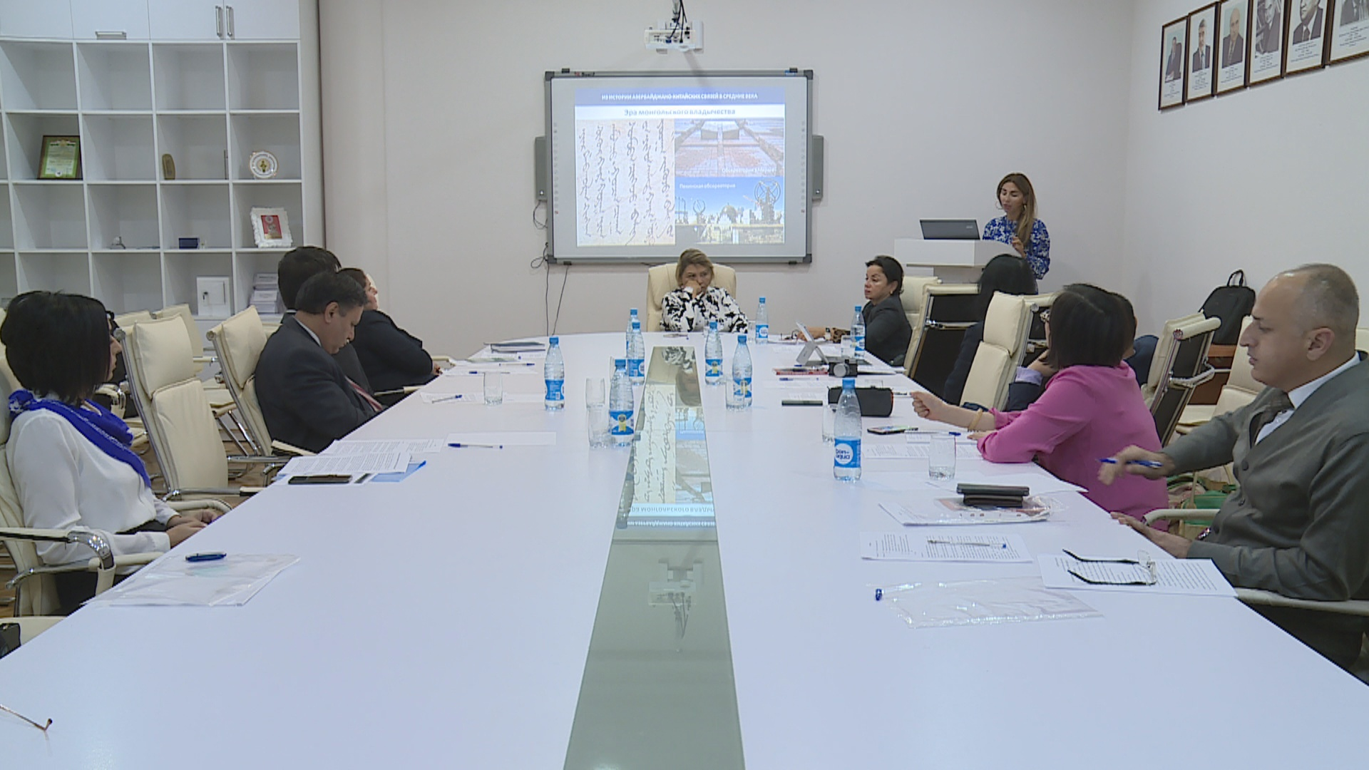 Çin İctimai Elmlər Akademiyasının nümayəndə heyəti ilə görüş keçirilib