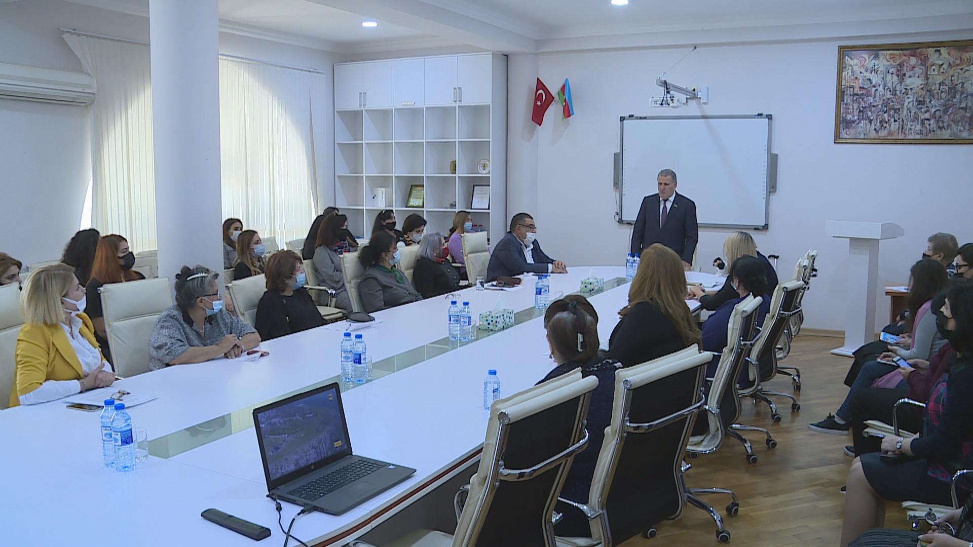 """""""Vətən müharibəsində Azərbaycan qadını"""" mövzusunda tədbir keçirilib"""