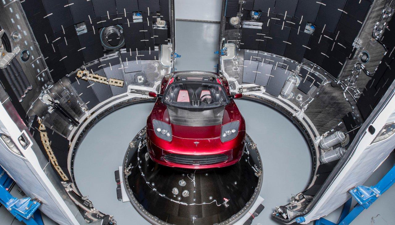 """""""SpaceX"""" şirkəti  Marsa avtomobil göndərib"""