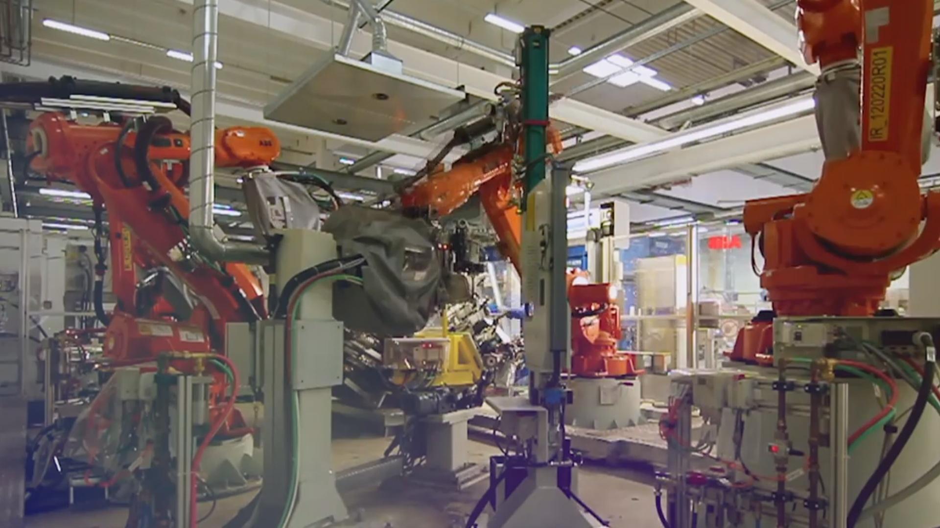 Yeni fabrikdə robotlar istehsal edən robotlar işləyəcək