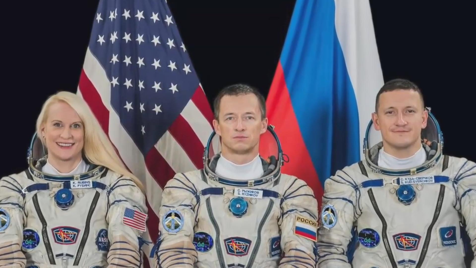 Kosmosda 6 ay qalan 3 kosmonavt Yerə qayıdıb
