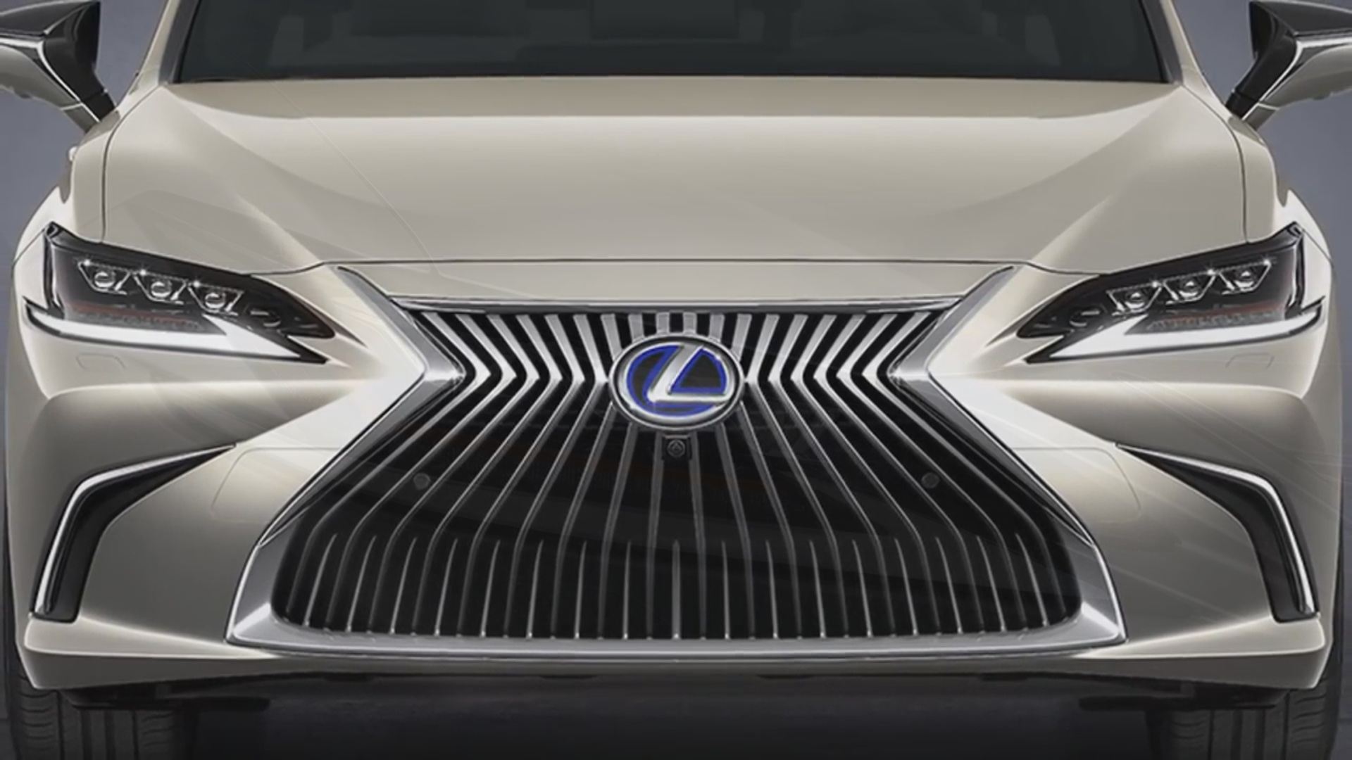 Dizayn fərqliliyi ilə seçilən Lexus ES gəlir