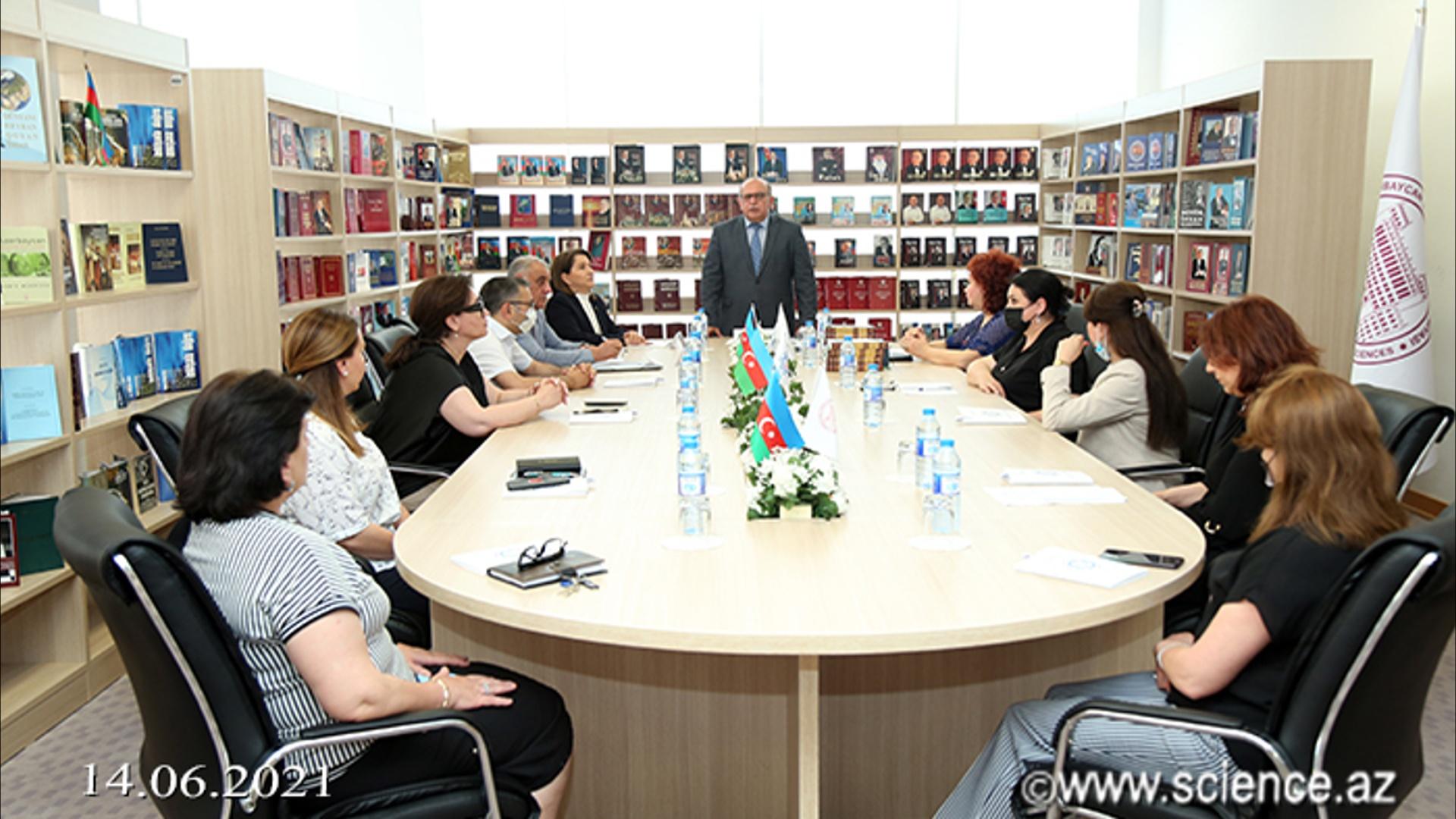 AMEA-nın Mərkəzi Elmi Kitabxanasında Heydər Əliyev lektoriyasının növbəti məşğələsi keçirilib