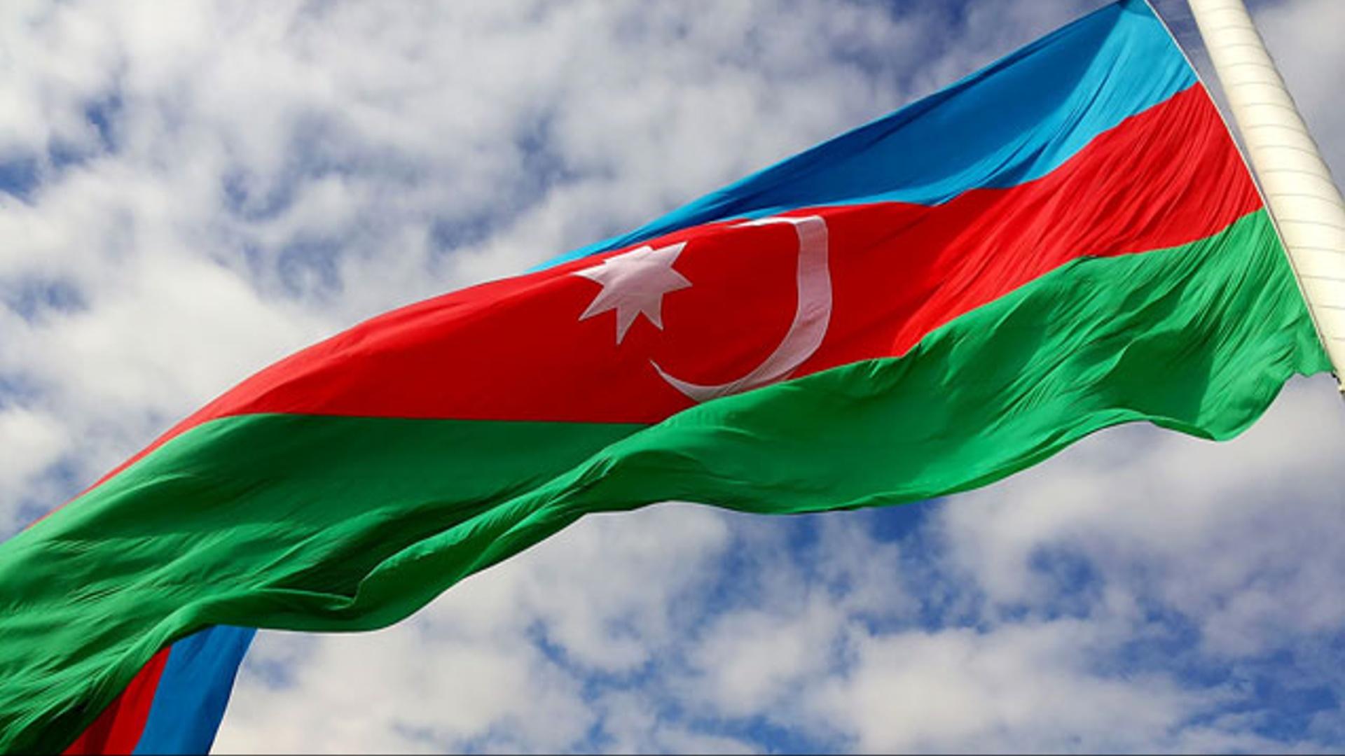 18 oktyabr - Dövlət Müstəqilliyi Günüdür