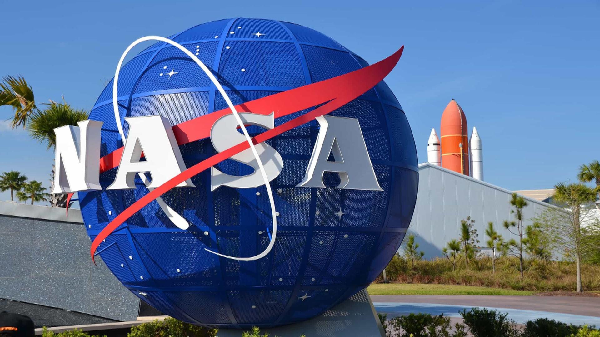 NASA planet ovçusu peykini yola salıb