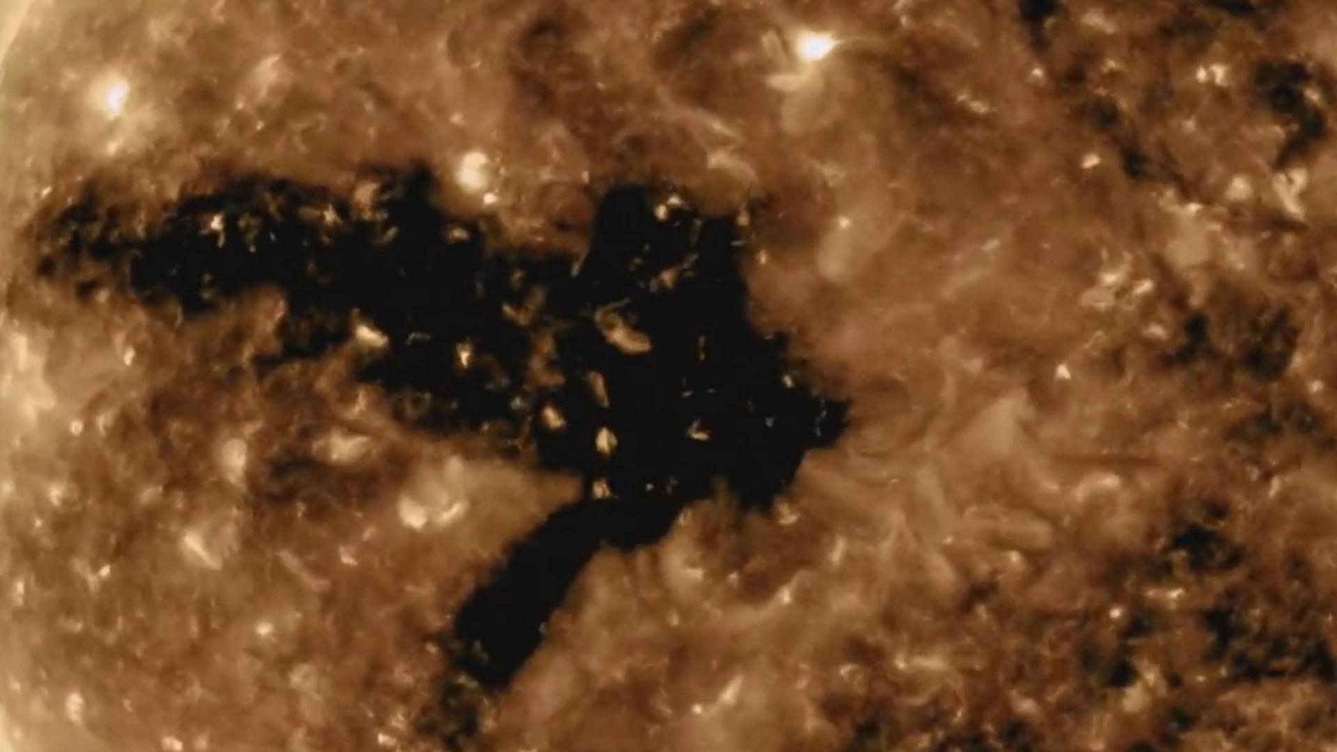 NASA Günəşdəki qeyri-adi prosesin görüntüsünü yayıb