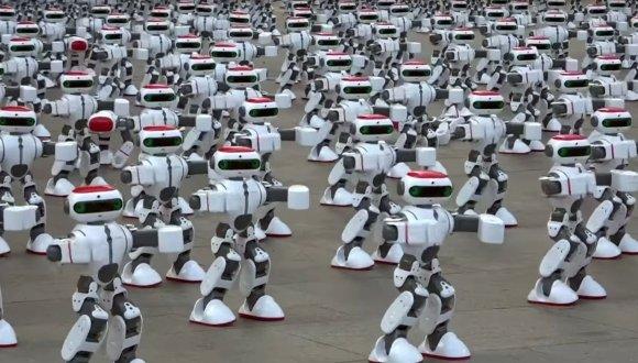 Rəqs edən robotlardan yeni dünya rekordu