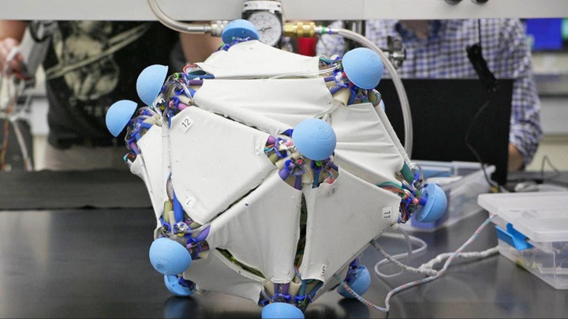 Yumşaq cihaz əşyaları robota çevirir