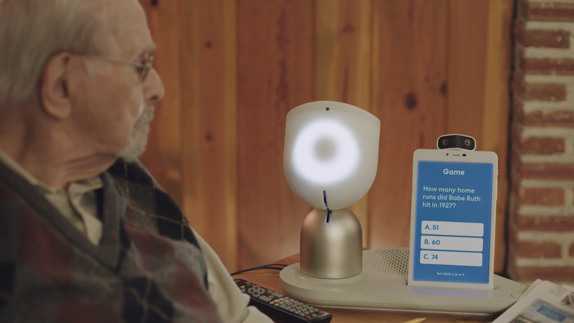 Robot yaşlı insanları darıxmağa qoymayacaq