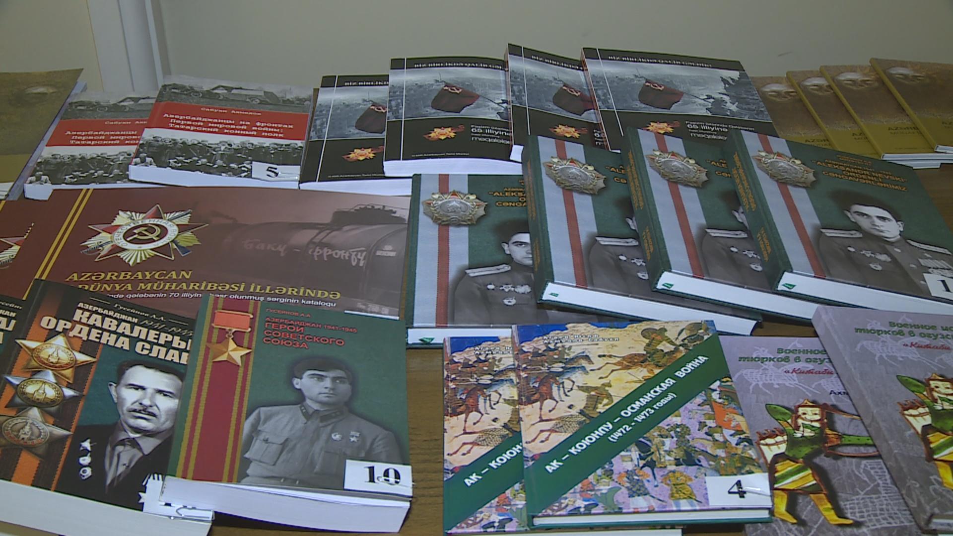 """""""Azərbaycan 1941-1945 Sovet İttifaqı Qəhrəmanları"""" kitabı təqdim olunub"""