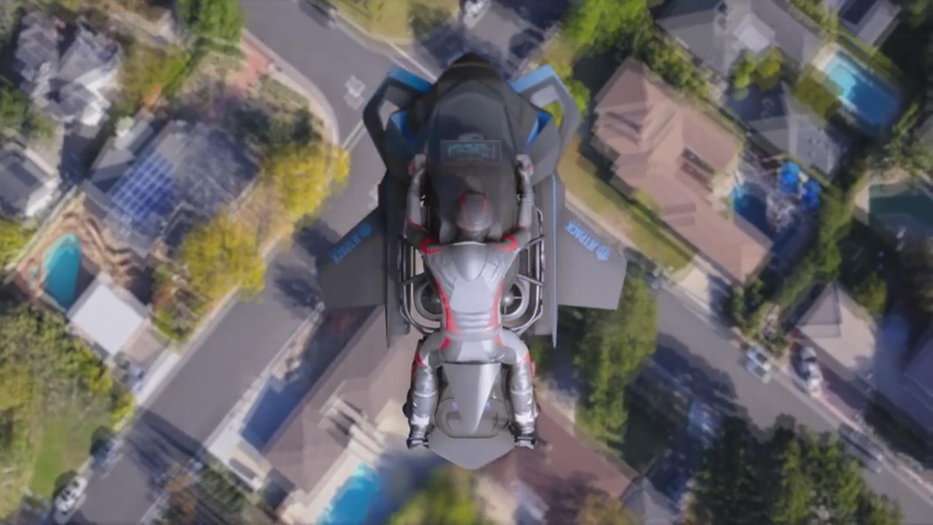 Uçan motosiklet 15 min metr yüksəkliyə çata biləcək
