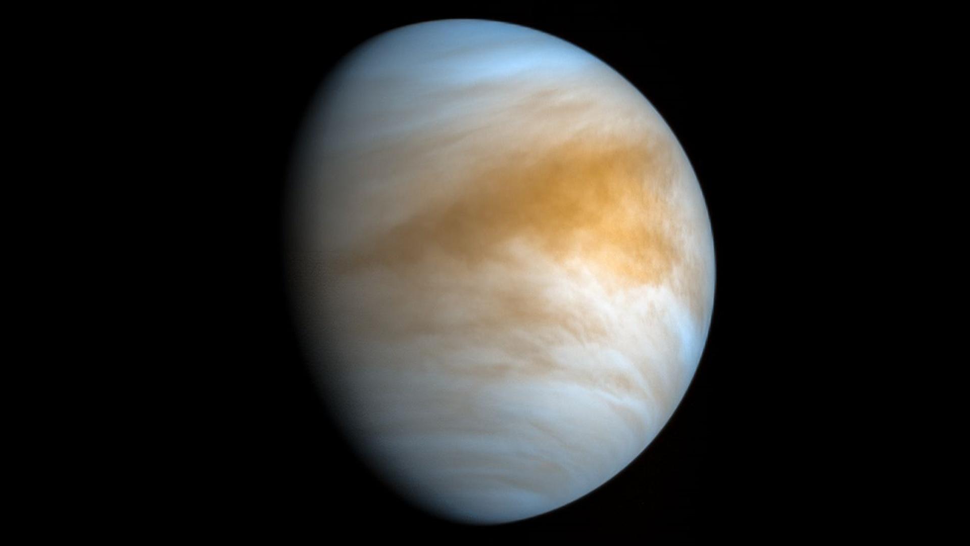 Alimlər Veneranın atmosferində qlisin kəşf edib