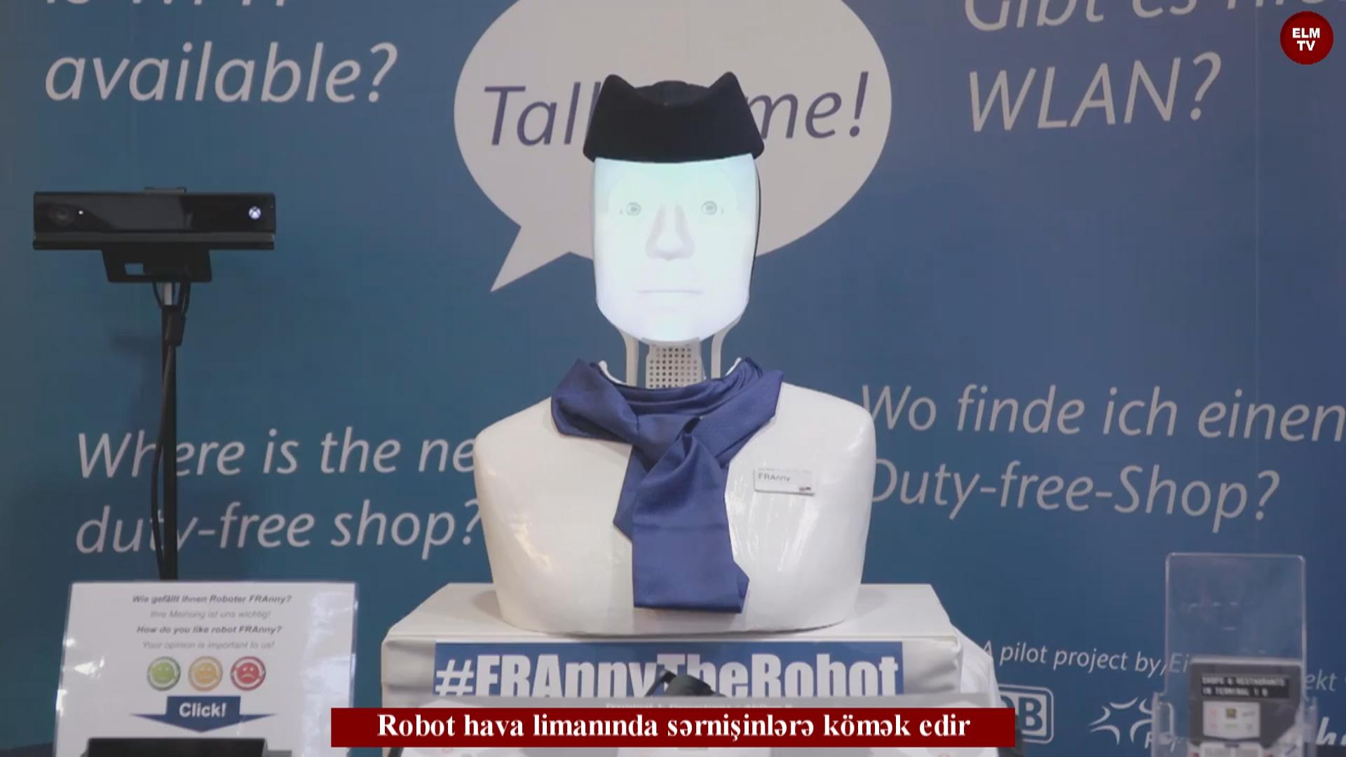 Robot hava limanında sərnişinlərə kömək edir