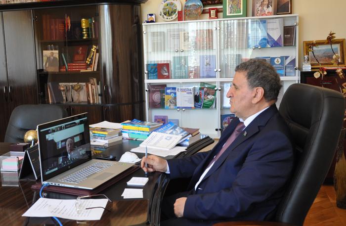 Türk dövlətləri Elmlər Akademiyalarının videokonfransı keçirilib