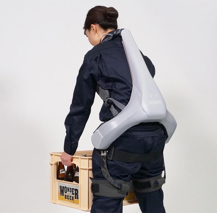 Panasonic şirkəti unikal ekzoskelet təqdim edib