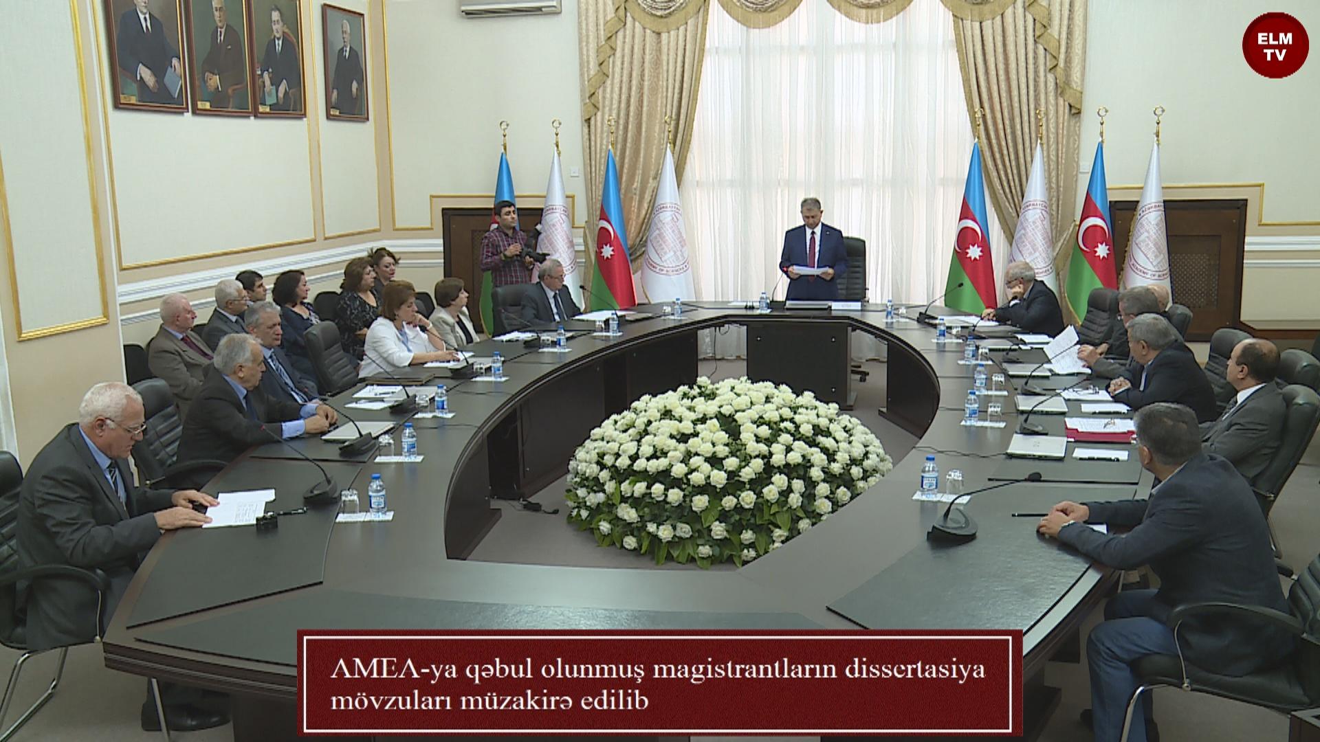 AMEA-ya qəbul olunmuş magistrantların dissertasiya mövzuları müzakirə edilib