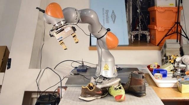 Robot kənar əşyaları tanımağı öyrənib